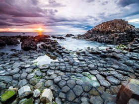 Giants_Causeway_Beach_Ireland